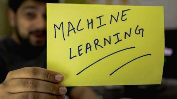 Machine Learning vs Deep Learning-Growbydata